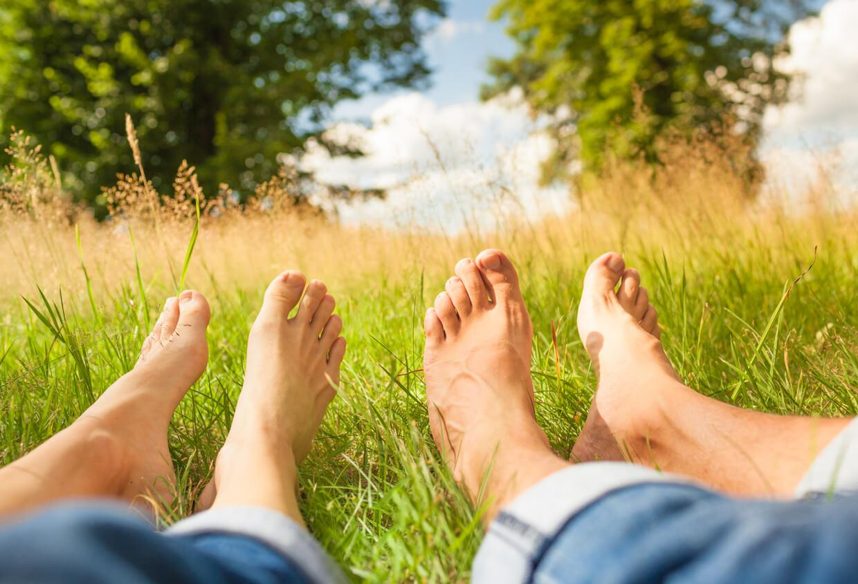 What are the best ways to practice earthing?
